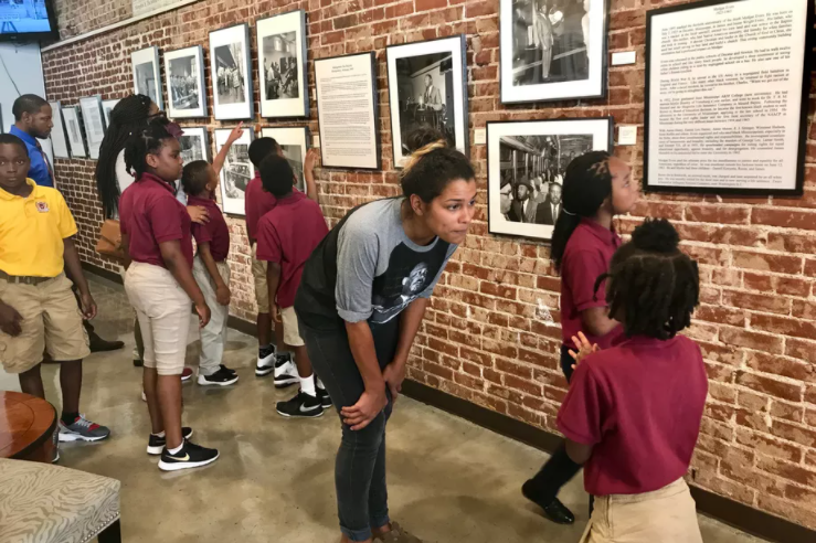The 'shadow education system': How wealthier students benefit from art, music, and theater over the summer while poor kids miss out